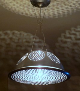 Roswell II extra-large colander pendant